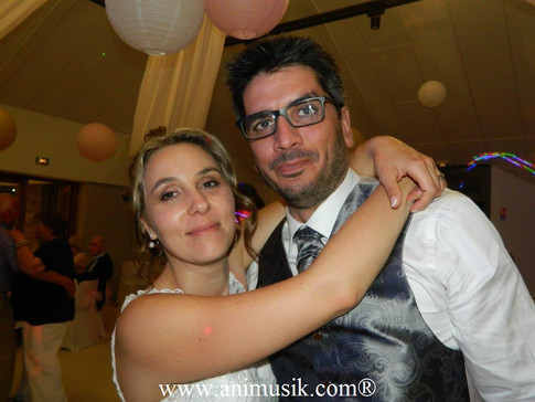Mariage à CERNEX Samedi 27-05-2017 DJ Kévin aux platines ! www.animusik.com L'Aventure Musicale cont
