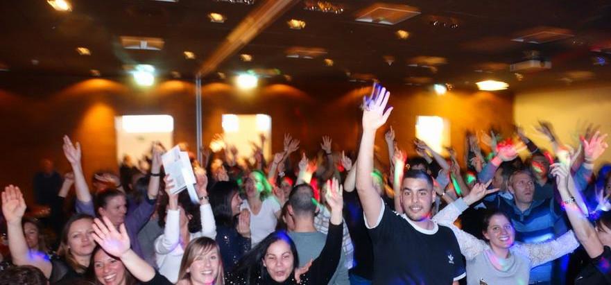 Soirée OM PHARMA  Vendredi 13-12-2019  Karaoké & Danse Big Party !  Avec une touche de Fondue !