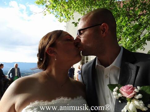 """Mariage de Cyrielle & Florent """"Chartreuse de Pomier"""" Samedi 29 Juillet 2017 Un couple"""