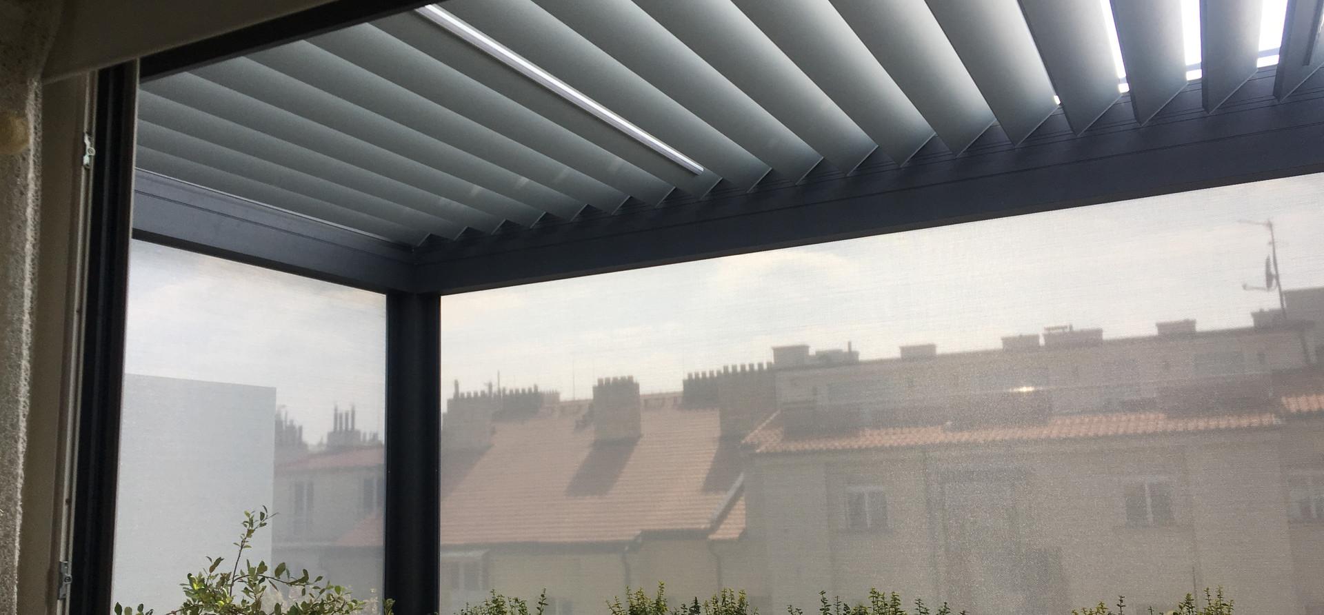 Bioklimatická pergola Skyline + zipex