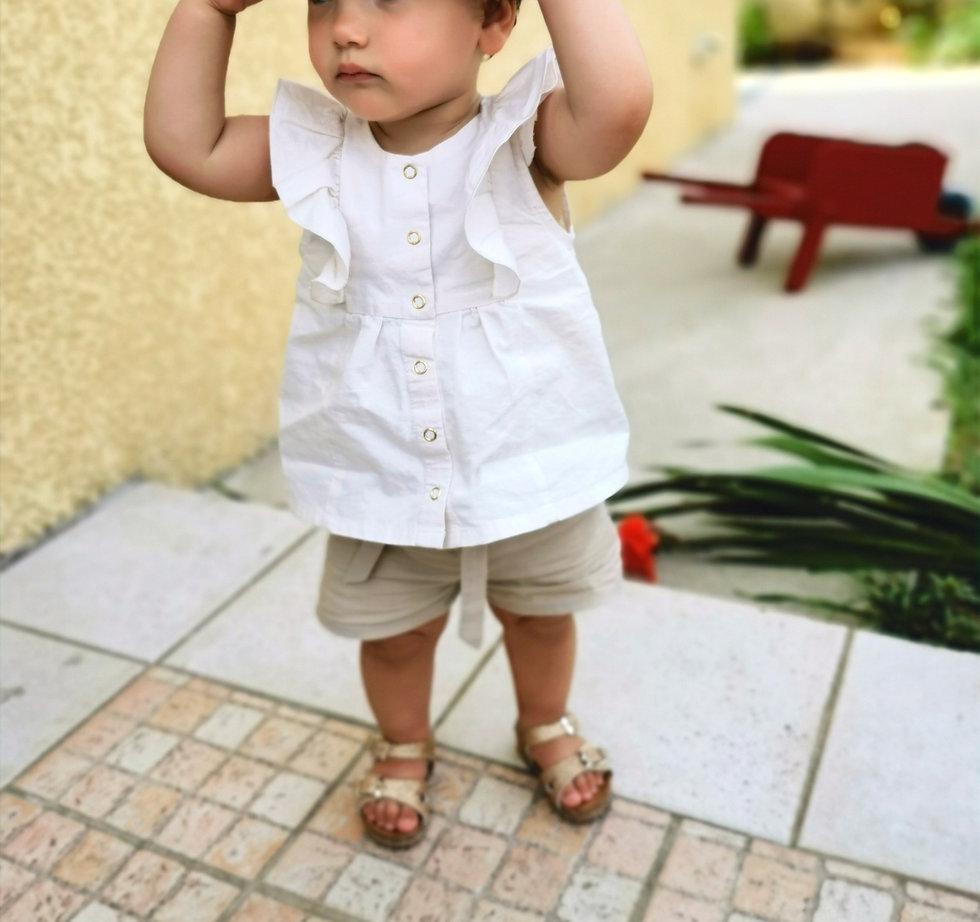 bébé fille en Les p'tits Cez short ceinture plissée et à nouer beige en coton et blouse à