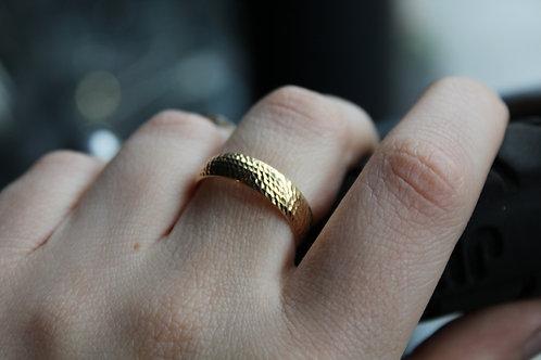 9ct Yellow Gold Diamond Cut Band Ring