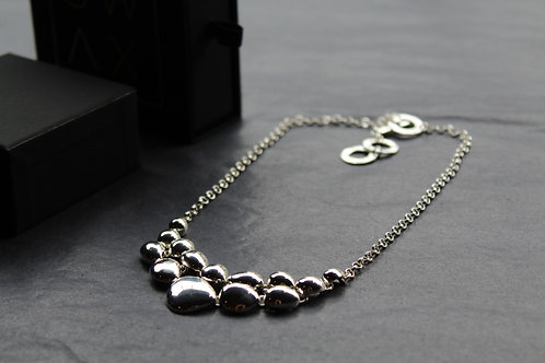 Pebble Droplets Necklace