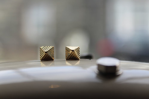 9ct Yellow Gold Diamond Cut Pyramid Stud Earrings