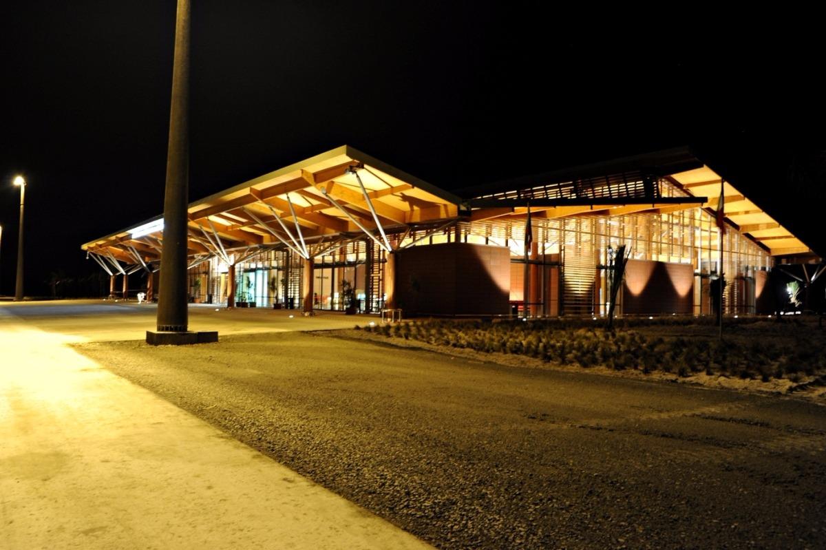 Airport | Aéroport - Guinea | Guinée