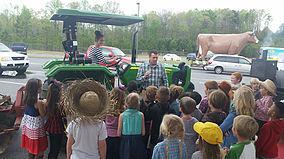 Its Farm 2 School Month