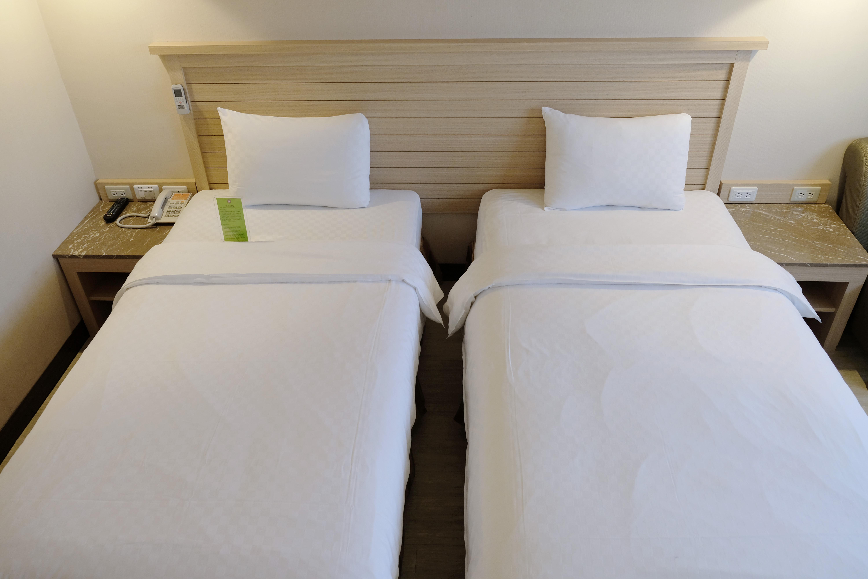商務兩小床