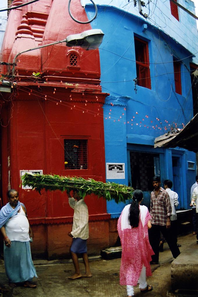 India-Varanasi-Stretcher dead-01.jpg