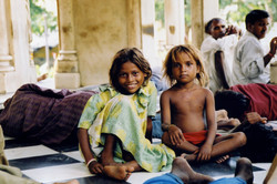 India-Two sisters-01.jpg