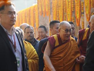 Préparation d'un livre de photographies sur les pas de Bouddha en Inde