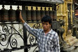 28-Moulins à prière à Swayambhu.jpg