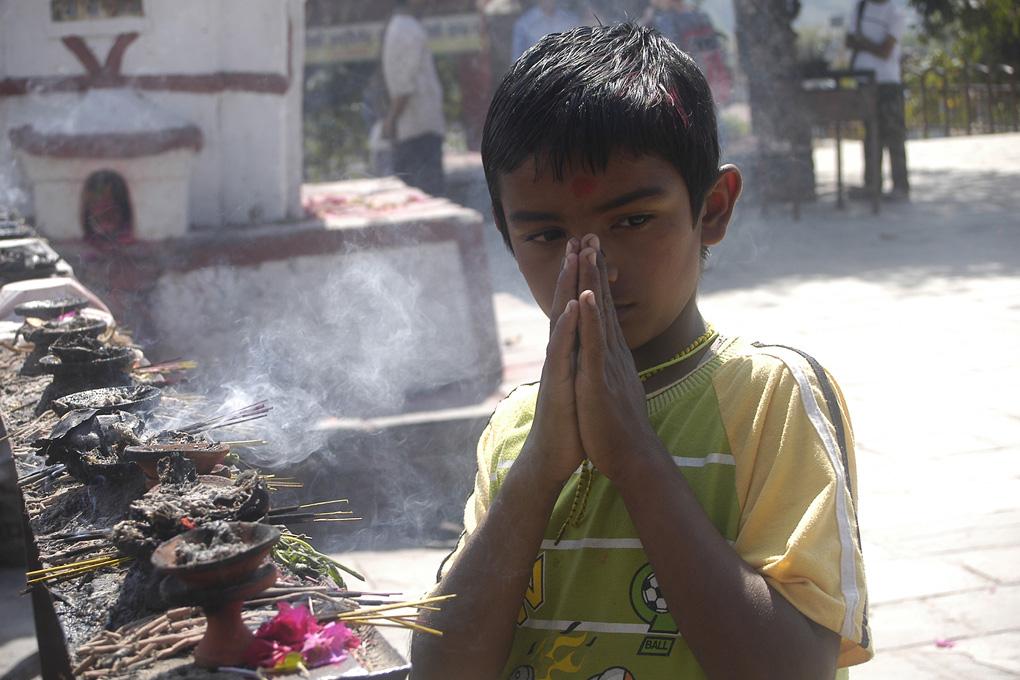 39-Garçon en prière.jpg