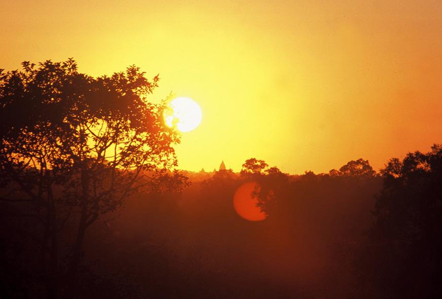 ©_Sunset_at_Angkor.jpg