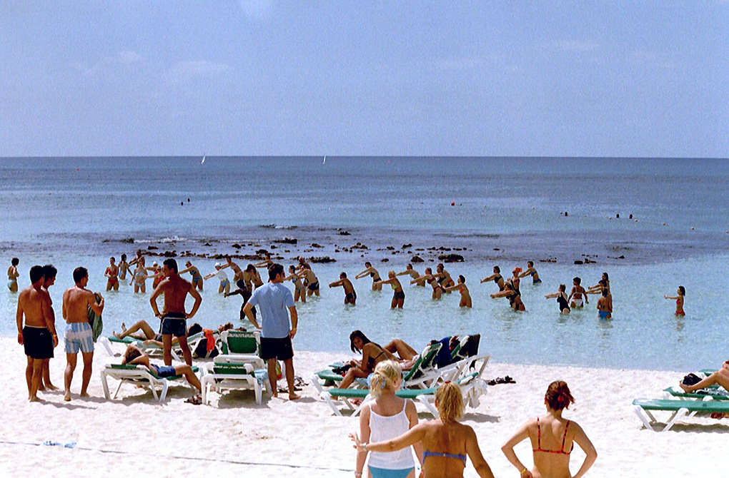 Antoine Roulet-Santo Domingo-beach-04.jpg