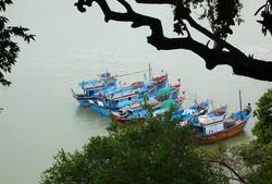 Viet07-Nha Trang-05boat.jpg