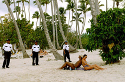 Antoine Roulet-Santo Domingo-beach-06.jpg