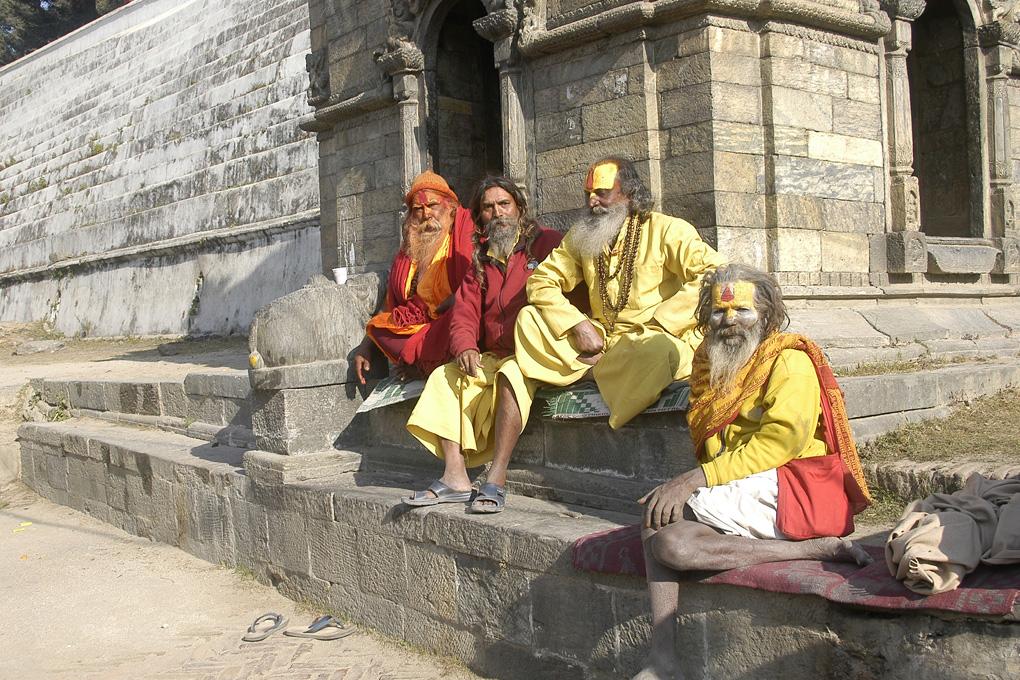 42-Les sadous de Pashupatinath.jpg