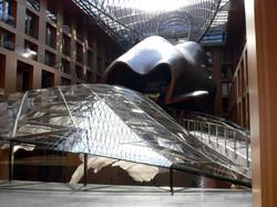 B05-Gehry's altrium02.jpg