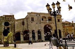 Antoine Roulet-Santo Domingo-monument-01.jpg