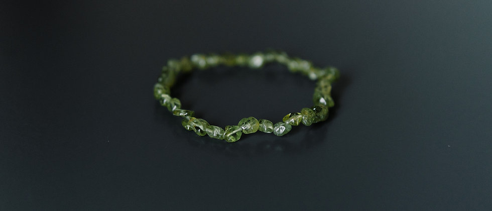 Woman Anklet from Olivine Stones