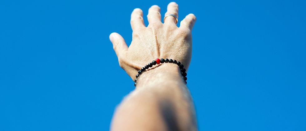 Men´s Black Matte Bracelet with Red Coral