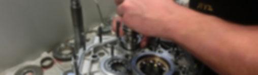 Tuning Umbau Getriebe Revision Trackday Umbau Bresmen wechseln Auspuff umbauen Schalensitze einbauen Käfig einbauen Felgen monieren