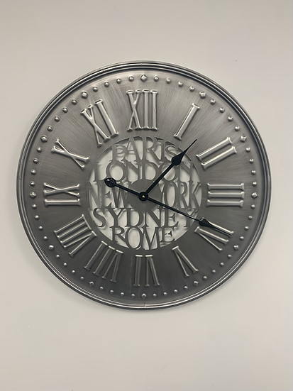 Metal Place Clock