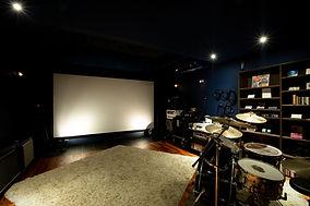 音響にこだわったホームシアター兼音楽スタジオ