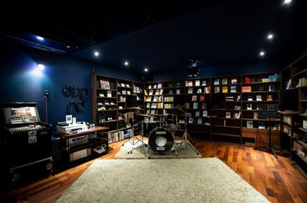 音楽スタジオ(Library side)