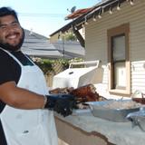 Marvin cutting the turkey.JPG