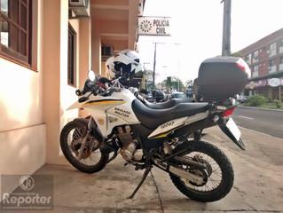 Brigada descobre moto furtada com documentação e numeração adulterados