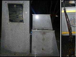 BM flagra uruguaio com Mosquefal pertencente ao obelisco da FEB na Praça General Osório