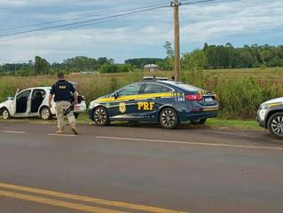 PRF prende três criminosos que roubaram um táxi em São Borja