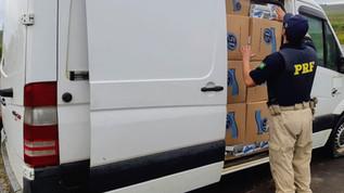 PRF apreende van roubada carregada de cigarros contrabandeados em Livramento