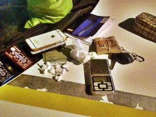 BM flagra grupo com cocaína em abordagem na rua Conde de Porto Alegre