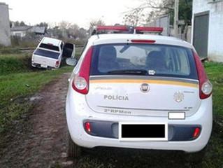 Suspeito em carro roubado atira contra a BM e foge para o Uruguai