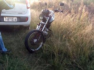 Motoqueiro é flagrado sem CNH e com veículo adulterado
