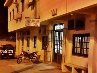 Acusado de roubo é preso quando tentava se esconder em casa no Parque São José