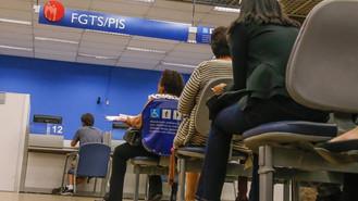 Governo transfere PIS/Pasep para o FGTS e permite saque de R$ 1.045