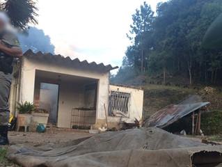 Polícia investiga morte de idoso em incêndio no Passo do Mingote