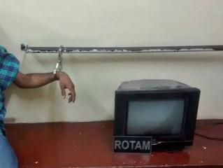 Homem é preso por porte de arma de fogo, e acusado de furto é detido pela comunidade