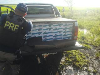 PRF intercepta cigarreiros com 60 mil maços e veículo roubado e clonado