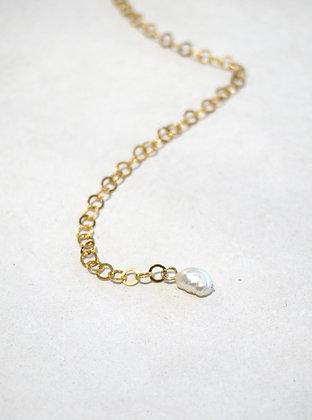 Mini Pearl Necklace Gold