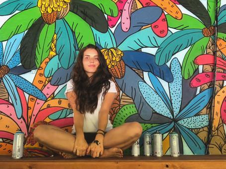 Leona Rose - L'appel au voyage, dans une jungle monochrome et colorée