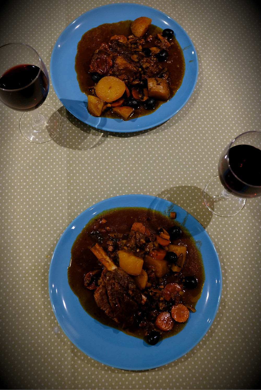 Picture of beef stew dished up with wine