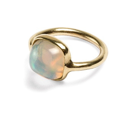 One of a kind yellow gold ring with ethiopian opal