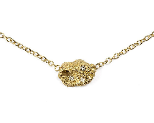 Volcano yellow gold necklace with diamonds