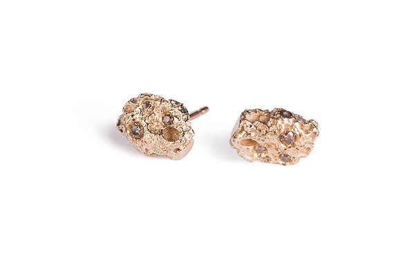 Volcano yellow gold earrings with diamonds