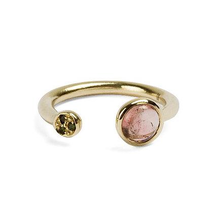Congiunzioni yellow gold ring