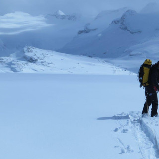 Kelly heading south on Vulture Glacier t